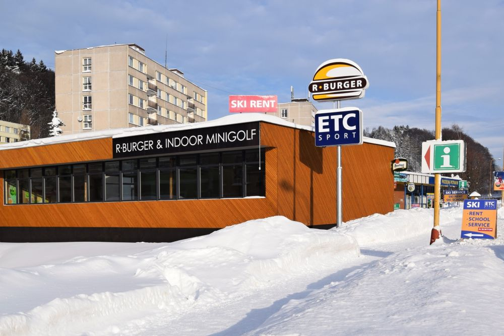 Půjčovna a úschovna lyží a snowboardů Krkonoše  5a27f97f4fa